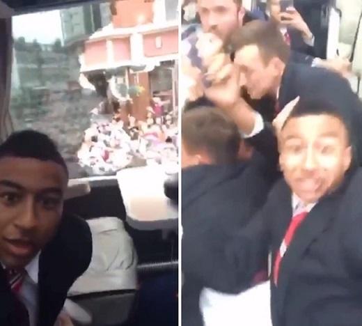 Hoảng loạn, sao Man Utd liên tục chửi thề khi xe buýt bị tấn công bằng chai lọ