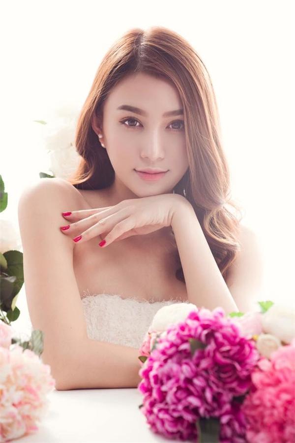 Chỉ một thời gian ngắn được Khắc Tiệp chăm chút, sự nghiệp người mẫu của Lê Hà cũng đã có những bước tiến đáng kể,đặc biệt trong lĩnh vực quảng cáo.