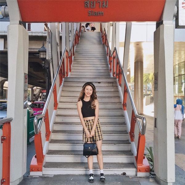 Những tấm hình mới nhất của Quỳnh Anh trong chuyến du lịch Thái Lan. Có thể nói phong cách của cô nàng bây giờ rất đẹp mắt và được lòng không ít fan hâm mộ.
