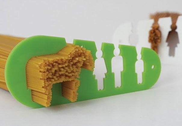 """15. Dụng cụ này giúp người nội trợ phân định được số lượng mì trong khẩu phần ăn của một người. Tất nhiên cũng có nhiều người ăn nhiều như một chú """"ngựa"""" thì cũng có thể phân định được đấy!(Ảnh: Internet)"""