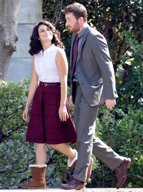 """Jenny Slate và Chris Evans trên trường quay """"Gifted"""""""