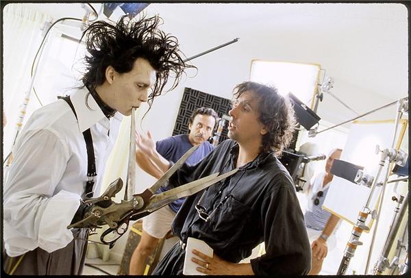Edward Scissorhands do Johnny Depp thủ vaitrong bộ phim cùng tên. (Ảnh: Internet)