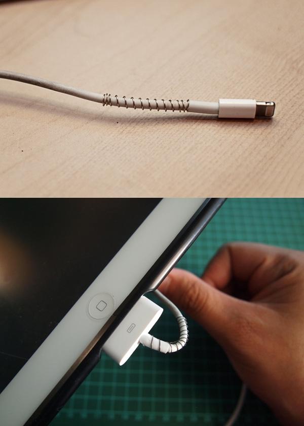 Để dây sạc không bị đứt hay gãy, hãy bảo vệ nó bằng lò xo bút bi.