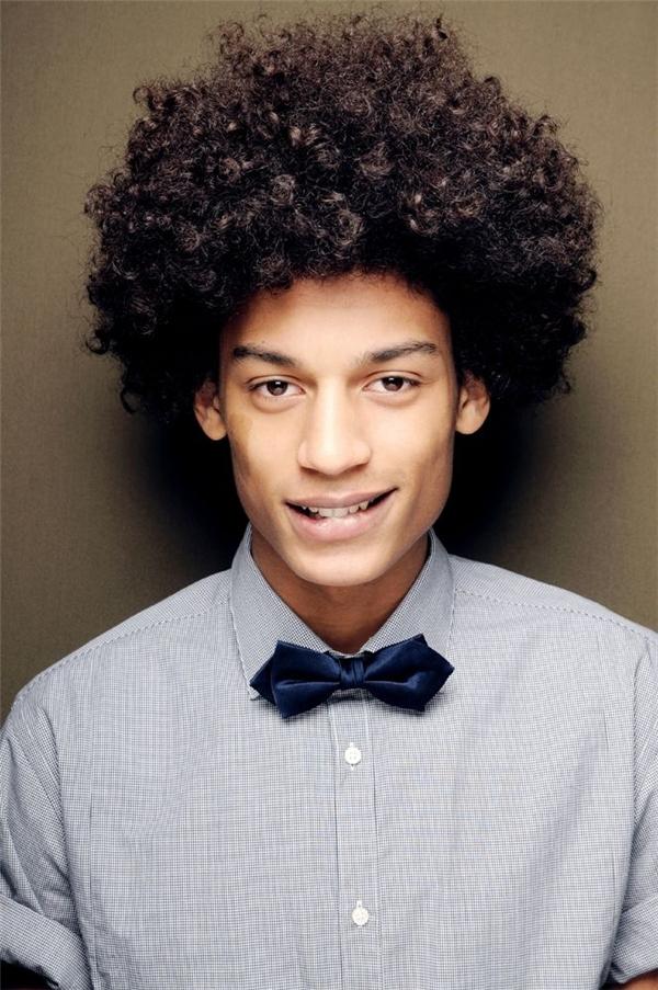 Mái tóc xoăn Afrođược bắt nguồn từ hai chữ Africa-Colombian.(Ảnh: Internet)