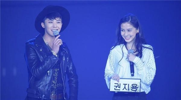 Hầu hết mọi người đều biết AngelaBaby là fan cuồng của G-Dragon