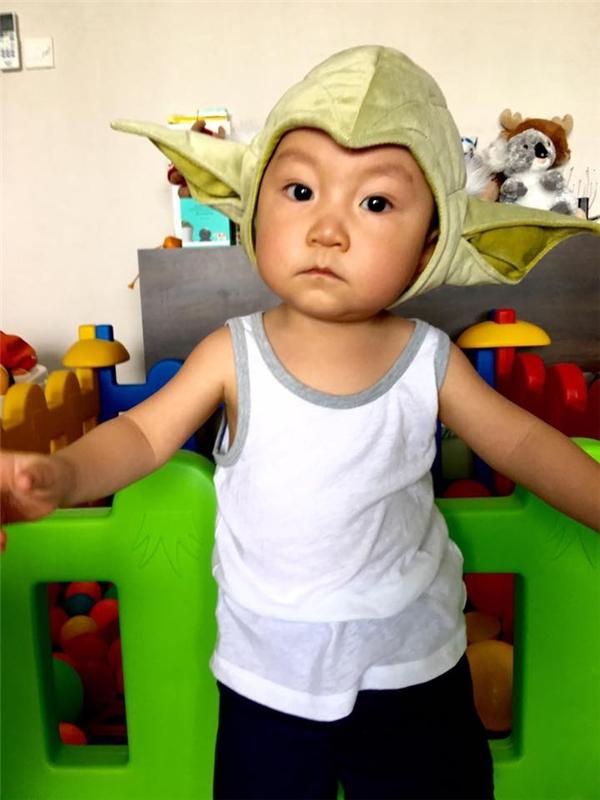 """Tháng 10 cùng năm, Hương Baby và Tuấn Hưng chào đón bé Su Hào ra đời. Cậu bé sở hữu vẻ ngoài được nhận xét """"sao y bản chính""""Tuấn Hưng. - Tin sao Viet - Tin tuc sao Viet - Scandal sao Viet - Tin tuc cua Sao - Tin cua Sao"""