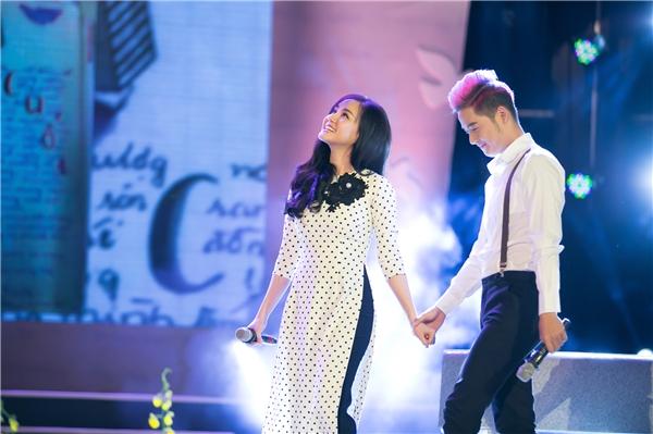 """Vừa về nước, Vy Oanh đã """"ngập chìm"""" trong show diễn"""