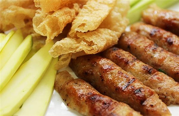 Du lịch Ninh Thuận - Nem nướng cuốn bánh tráng