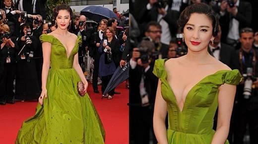 Những lần sao khoe váy trên thảm đỏ khiến dư luận chấn động của sao Hoa ngữ