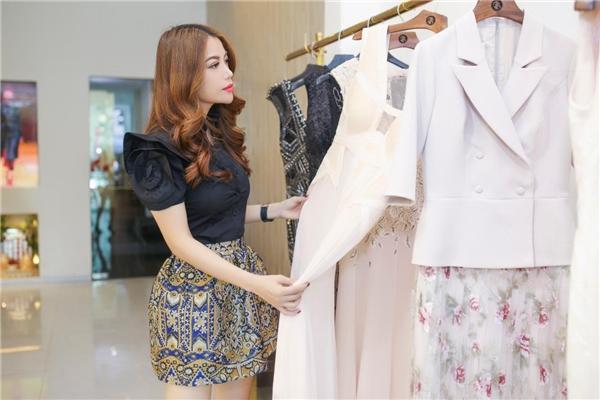Nữ diễn viên lựa chọn trang phục để xuất hiện nổi bật tại sự kiện - Tin sao Viet - Tin tuc sao Viet - Scandal sao Viet - Tin tuc cua Sao - Tin cua Sao