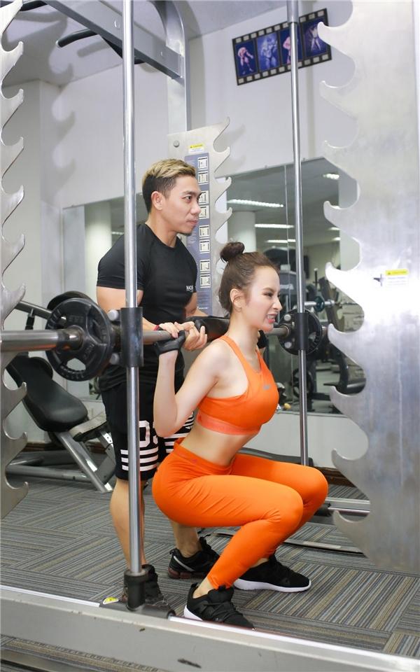 Tập luyện được xem như một phương pháp giúp Angela Phương Trinh tăng cường sức khỏe đồng thời giữ được số đo như ý muốn. - Tin sao Viet - Tin tuc sao Viet - Scandal sao Viet - Tin tuc cua Sao - Tin cua Sao