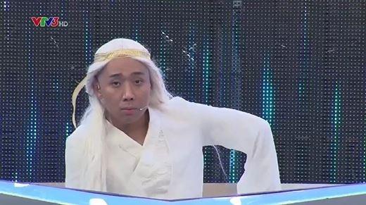 Ngay cả lúc cận kề nguy hiểm, Trấn Thành vẫn gọi tên Hari Won