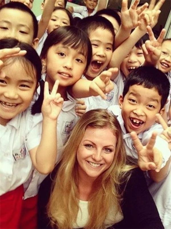 Stephanie Inglis đã đến Việt Nam để tham gia giảng dạy bộ môn Judo cho học sinh tiểu học và trung học.