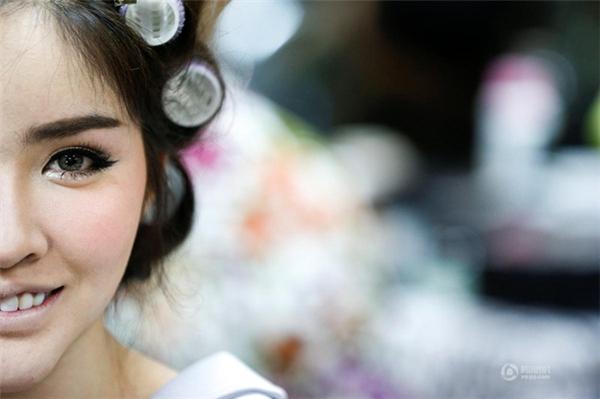 Hàng trăm cô gái xinh đẹp, nóng bỏng đã đến đăng ký tham dự cuộc thi.