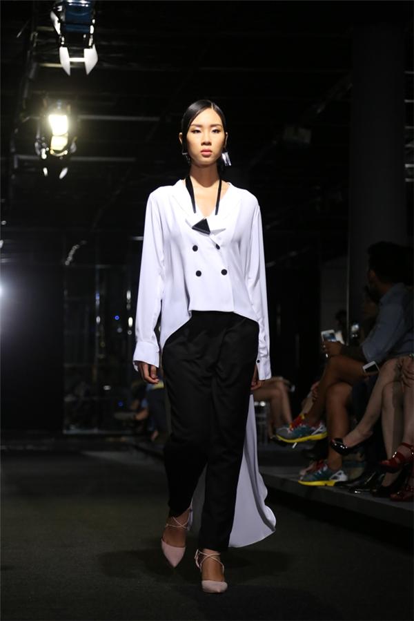 Nhìn lại các thiết kế trong bộ sưu tập của nhà thiết kế Jenny Kim, tất cả đều khắc họa rõ nét mùa hè bởi sự năng động, trẻ trung, tươi mới.