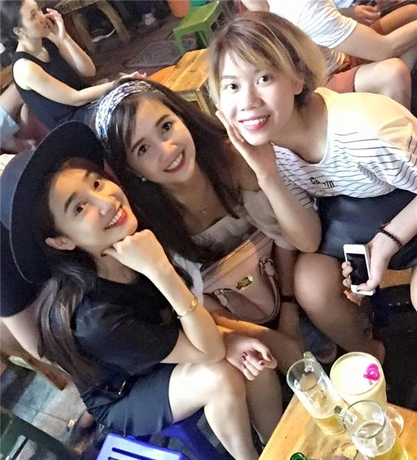 Nhã Phương có mặt tại Hà Nội cùng chị gái để tổ chức off fan. - Tin sao Viet - Tin tuc sao Viet - Scandal sao Viet - Tin tuc cua Sao - Tin cua Sao