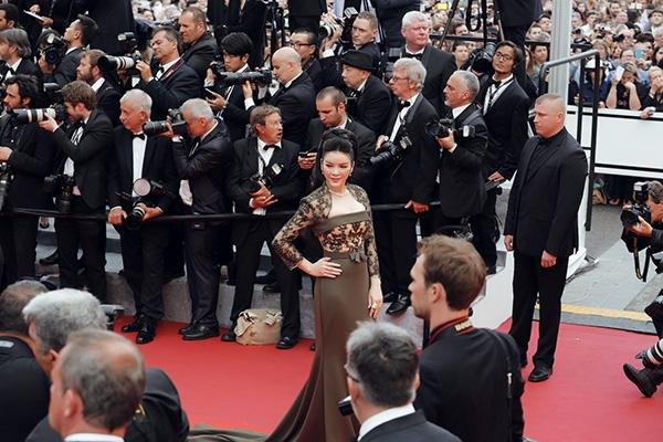Lý Nhã Kỳ lộng lẫy như nữ hoàng tại thảm đỏ Cannes 2016