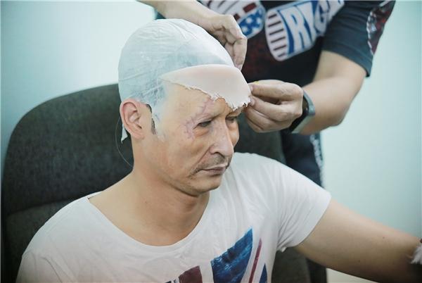 Huy Khánh bị biến dạng gương mặt, Việt Hương khen ngợi Hương Tràm - Tin sao Viet - Tin tuc sao Viet - Scandal sao Viet - Tin tuc cua Sao - Tin cua Sao