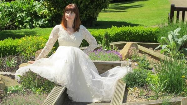 Chiếc váy cưới được quyên tặng của một người đàn ông góa vợ (Ảnh: Internet)
