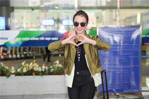Angela Phương Trinh vui vẻ