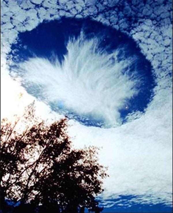Giải mã hiện tượng đám mây xâm lược của người ngoài hành tinh