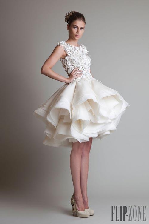 Những mẫu váy cưới đẹp đến ngạt thở khiến mọi cô gái phải ao ước