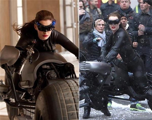 Anne Hathaway (trái) và diễn viên đóng thế, The Dark Knight Rises