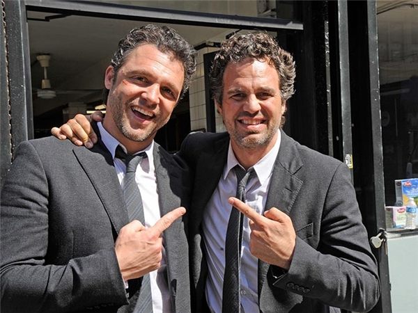 Mark Ruffalo (phải) & Anthony Molinari, Now You See Me