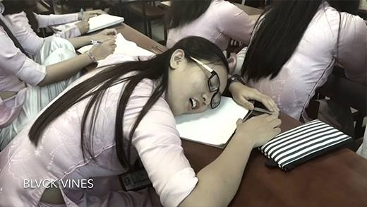 Sinh viên và những kiểu ngủ bá đạo có 1-0-2