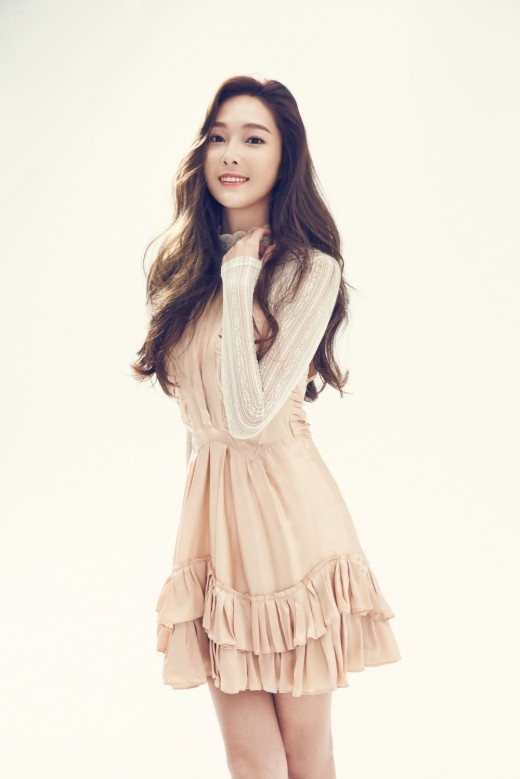 Jessica: Tôi vẫn liên lạc với vài thành viên SNSD, một số thì không
