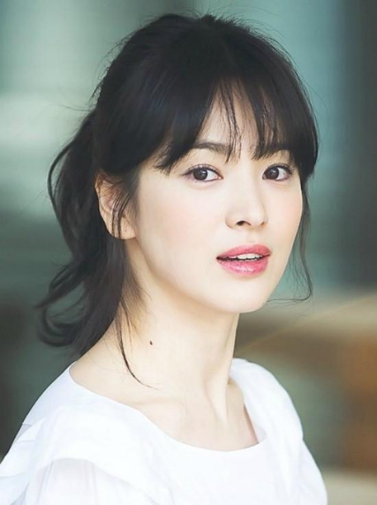 Song Hye Kyo nổi tiếng là ngôi sao có nhiều nghĩa cử cao đẹp