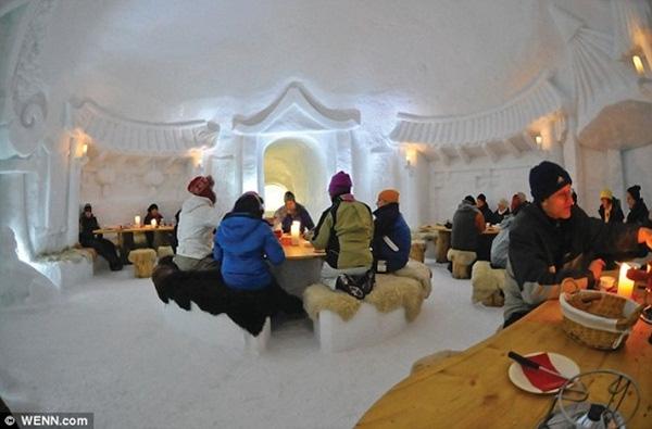 Ở thời điểm hiện tại, Iglu-Dorf đang là một trong 7 khách sạn sang trọng bậc nhất nằm trong khu nghỉ mát trượt tuyết.
