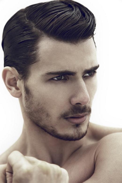 Với những bạn thích sự thanh lịch, kiểu tóc Dope chải lệch sẽ thoả mãn yêu cầu của bạn. (Ảnh: Internet)