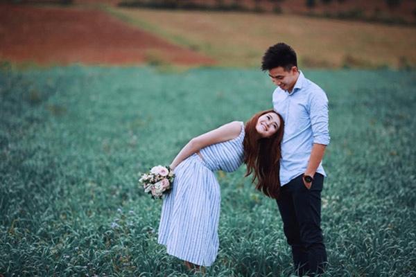Không phải vài tháng, yêu lâu cả thập kỉ mới là tình yêu đích thực