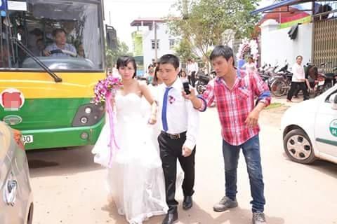 rước dâu bằng xe buýt
