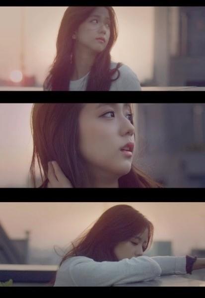 Kim Ji Soo trong MVSpoilercủa tiền bối Epik High