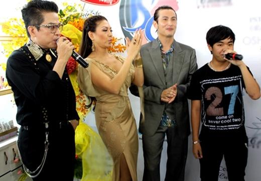 Năm 2011, bé Châu trở lại con đường âm nhạc với những màn biểu diễn ở hải ngoại.(Ảnh: Internet) - Tin sao Viet - Tin tuc sao Viet - Scandal sao Viet - Tin tuc cua Sao - Tin cua Sao