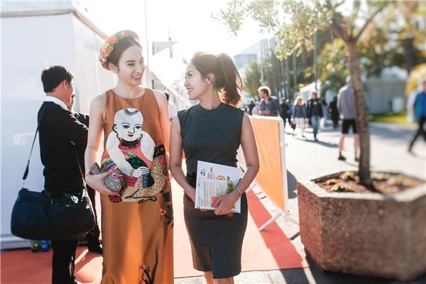 Chiều 17/5, các nghệ sĩ Việt Nam đã có buổi làm việc đầu tiên trong chuỗi hoạt động ở Liên hoan phim Cannes. - Tin sao Viet - Tin tuc sao Viet - Scandal sao Viet - Tin tuc cua Sao - Tin cua Sao