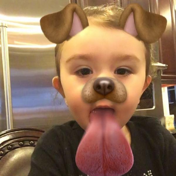 Các chú bé có vẻ ăn ảnh hơn nhiều khi sử dụng filter mặt cúnnhỉ?(Ảnh: Internet)