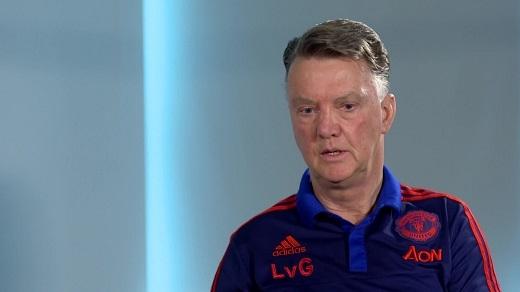 Louis Van Gaal vẫn tự tin vào tương lai của mình ở Old Trafford