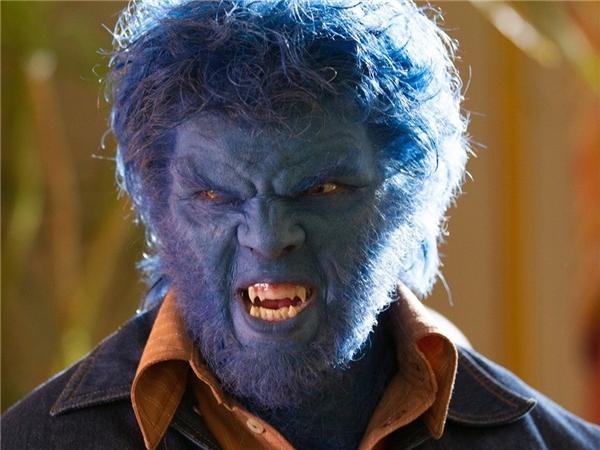 Khi xuất hiện trong tập X-Men: The Last Stand (2006), Beast chưa được khai thác hết mức. Chỉ từ tập phim reboot mang tên First Class, nhân vật mới được xây dựng dày dặn hơn cả về nội tâm lẫn hành động, và do Nicholas Hoult khắc họa. Dạng đột biến đặc biệt của Beast giúp cơ thể anh chuyển màu xanh, mọc lông, cũng như sở hữu sức mạnh và tốc độ phi thường.