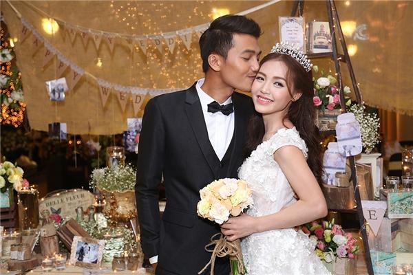 Quang Tuấn dành cho bà xã nụ hôn ngọt ngào - Tin sao Viet - Tin tuc sao Viet - Scandal sao Viet - Tin tuc cua Sao - Tin cua Sao