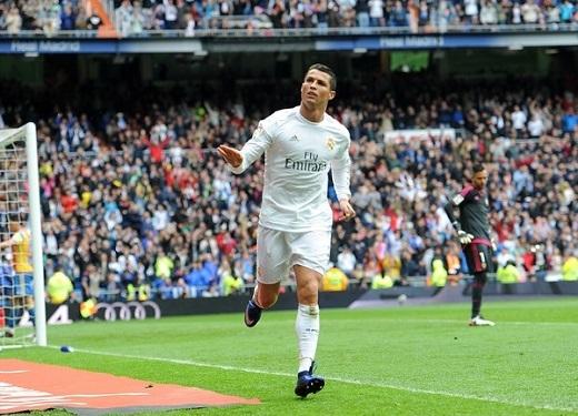 Ronaldo được các cây bút UEFA ca ngợi nhờ duy trì hiệu suất ghi bàn ổn định.