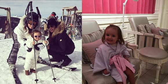 Sophia có chuyến du lịch đến Thụy Sĩ vào tháng 3 vừa qua (trái), và cùng mẹ đến thăm spa Hello Kitty tại Dubai với giá 130 bảng Anh (hơn 4 triệu đồng).