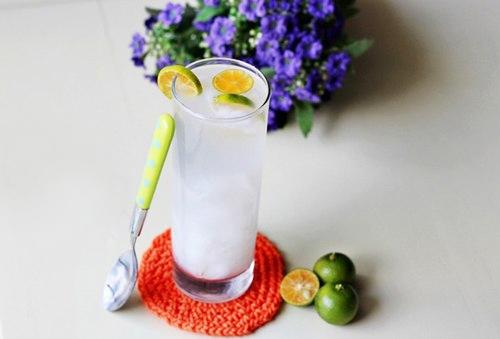 Nước dừa tắc - Giải nhiệt mùa hè với công thức Nước dừa tắc mát lạnh sảng khoái