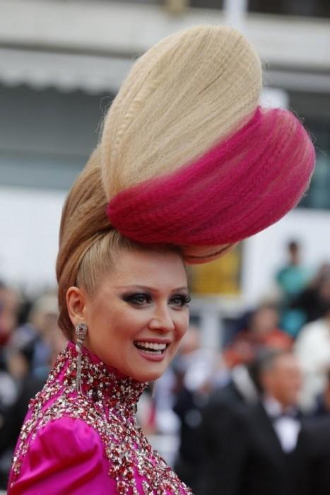 Mái tóc ấn tượng của ngôi sao dẫn chương trình truyền hình thực tế đến từ xứ bạch dương Elena Lenina. - Tin sao Viet - Tin tuc sao Viet - Scandal sao Viet - Tin tuc cua Sao - Tin cua Sao