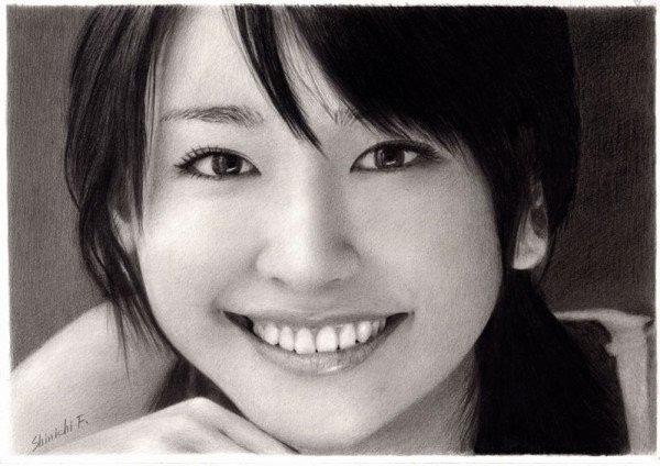 Nhưng những tác phẩm của ông thì vô cùng xuất sắc, khiến nhiều người ngưỡng mộ. Chân dung diễn viên nổi tiếng người Nhật Yui Aragaki.