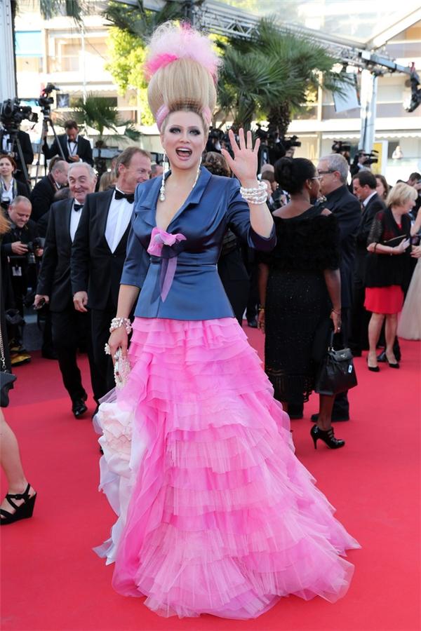 15 bộ cánh xấu không đỡ nổi trên thảm đỏ Cannes 2016