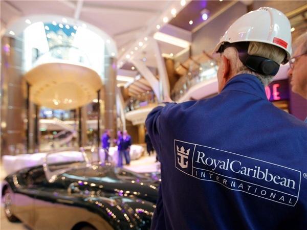 Harmony of the Seas được vận hành bởi đội ngũ 2.100 người đến từ khắp nơi trên thế giới