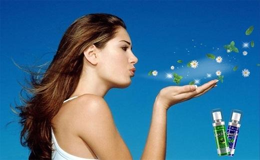 Xịt thơm miệng Greelux được bào chế từ các tinh chất thảo dược: bạc hà, trà xanh, cúc hoa, cam thảo, lô hội…